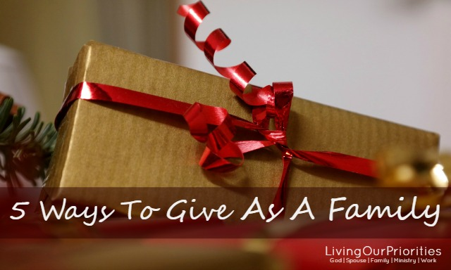 Tis the season to be jolly, merry and down-right busy! What a wonderful opportunity to turn that around by purposing to bring the family together to be a blessing towards others.Here are 5 ways your family can focus on giving during the holidays.