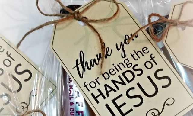 Looking for ministry appreciation gift ideas? We've got you covered with 6 practical gift ideas including free printable gift tags!