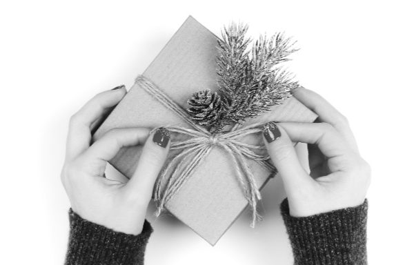 Before you skip exchanging gifts at Christmas as parents, read this! #exchanginggifts #christmas #giftgiving # frankincense #gold #myrrh #livingourpriorities